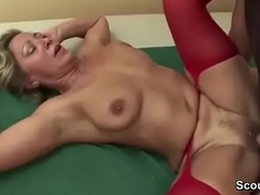 Young Boy Radical Step-Mom in Undergarments and Seduce her to Fuck