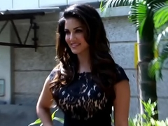 Sunny Leone in SEXY Quick DRESS