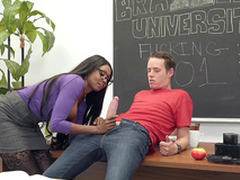 Brazzers HD: Brazzers Porn Trainer Vice-chancellor Diamond Jackson