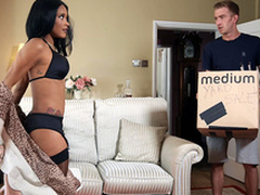Adored Posessions Working capital Kiki Minaj - Brazzers HD