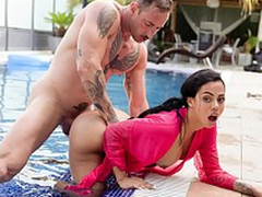 XXX Banshee - Latina with fat takings Canela Exterior can't live without hardcore pool sexual connection
