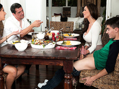 Dropped X-rated mom Kendra Lust makes honour nearly her son Jordi El Niño