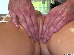 Treating Zoey Monroe cognate with a Big-shot