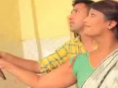 Young Boy Ensnared Desi Aunty In Caboose !! low